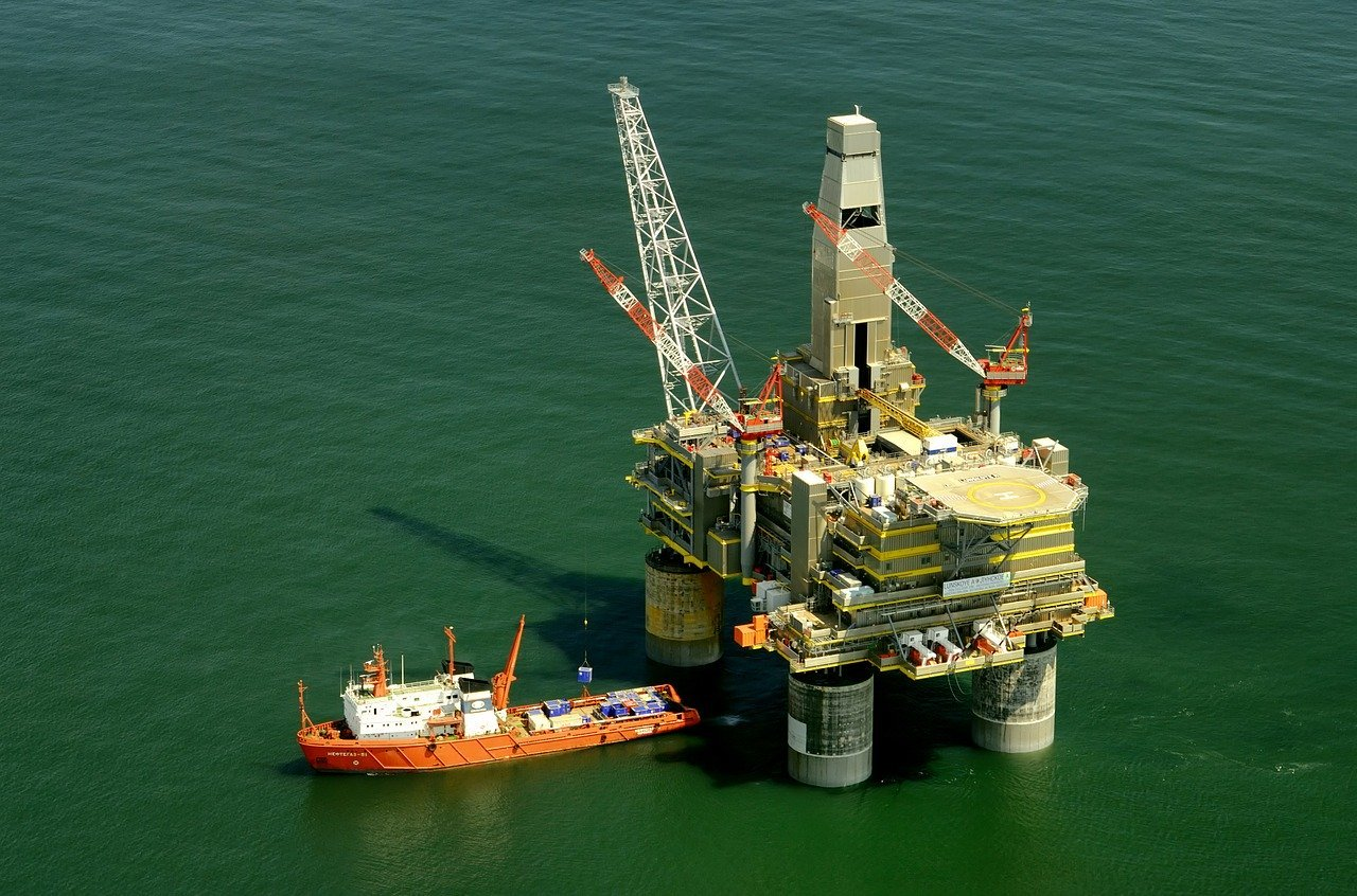 Pros and Cons of Oil Energy